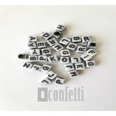 Бусины буквы английские, цвет бело-черный, 6 мм