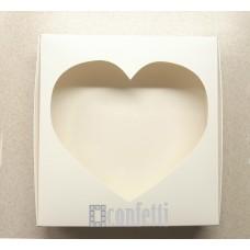 Коробка Белая с окном Сердце 20*20*3